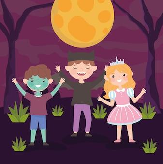 Bambini che indossano costumi festa di halloween