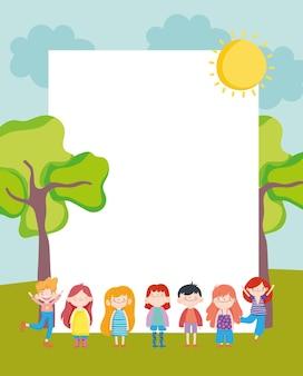 Bambini con cartello bianco