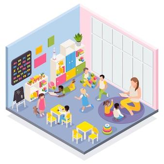 Composizione isometrica nell'asilo con vista interna della stanza con bambini che giocano e illustrazione di caratteri umani dell'insegnante di scuola materna