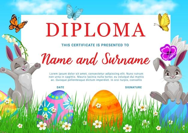 Diploma scuola materna bambini con conigli pasquali