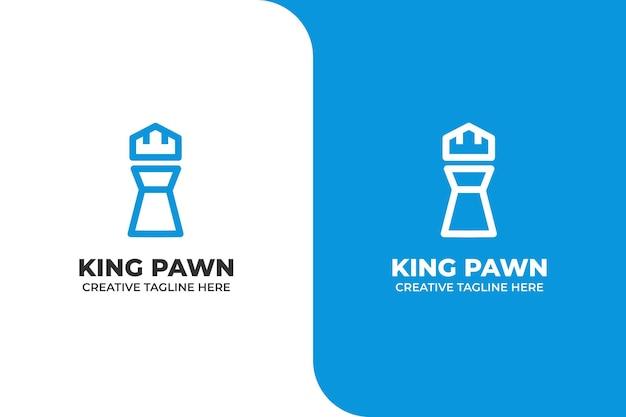 Logo del gioco sportivo della cassa del pedone del re Vettore Premium