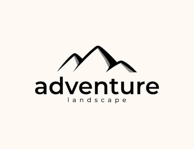 Progettazione del logo dell'avventura in montagna del paesaggio