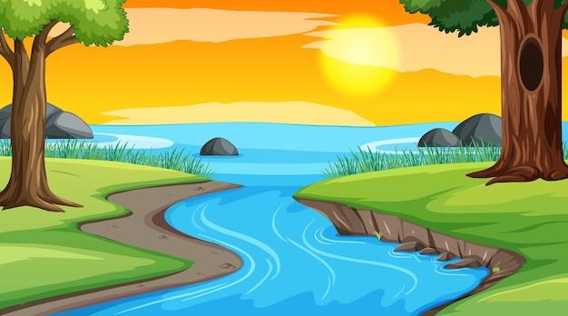 Scena del paesaggio del fiume attraverso la foresta