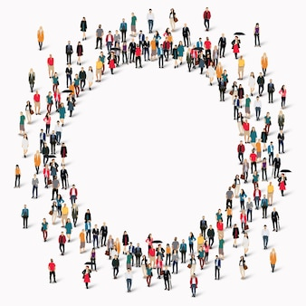 Grande gruppo di persone a forma di cerchio.