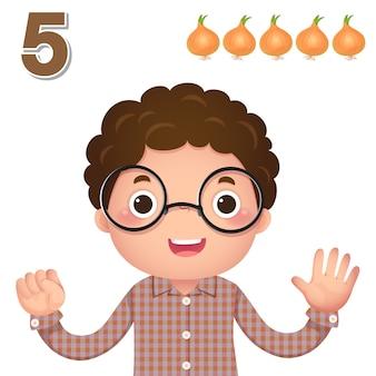 Impara il numero e il conteggio con la mano dei bambini che mostra il numero cinque