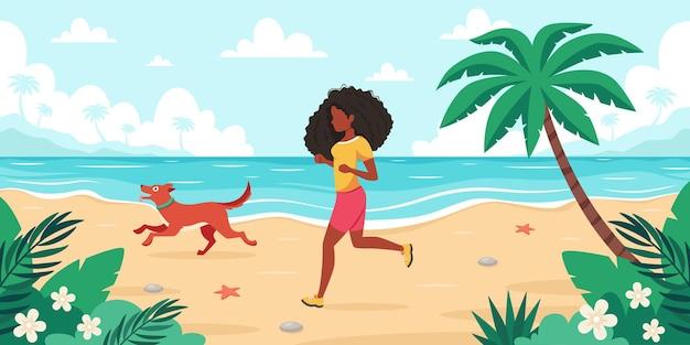 Tempo libero sulla spiaggia donna nera che pareggia con il cane ora legale