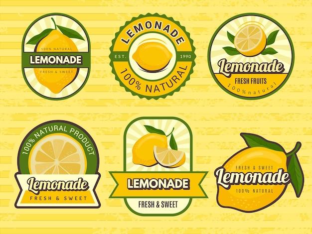 Distintivi di limonata. etichette retrò con illustrazioni di limone design emblema per il succo. etichetta emblema, limonata alla frutta, succo di frutta fresca illustrazione