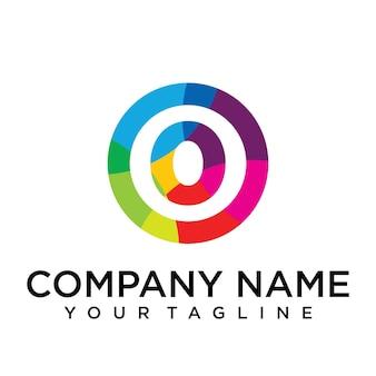 Modello di progettazione del logo della lettera 0. segno creativo foderato colorato