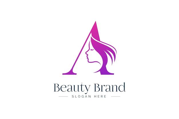 Lettera a design del logo di bellezza. siluetta del fronte della donna isolata sulla lettera a.