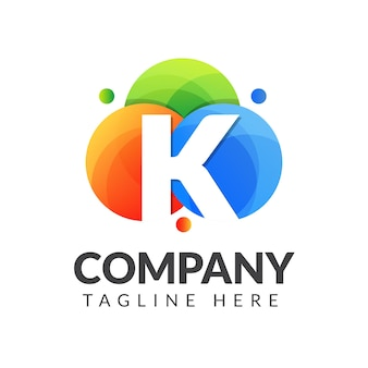 Marchio della lettera k con sfondo colorato cerchio per industria creativa, web, affari e azienda