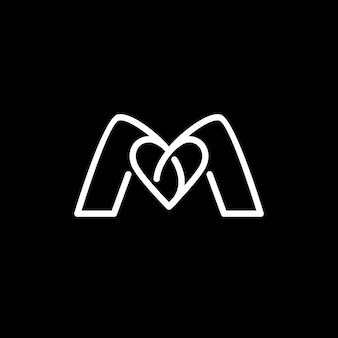 Lettera m con ispirazione per il design del logo heart love