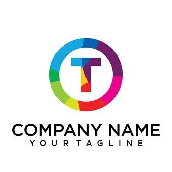 Modello di progettazione del logo della lettera t. segno creativo foderato colorato