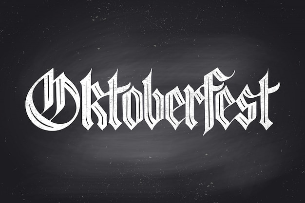 Lettering oktoberfest per l'oktoberfest beer festival. lettere disegnate a mano di carattere fraktur sulla lavagna per menu bar, stampa t-shirt e temi birra. celebrazione dell'oktoberfest. illustrazione
