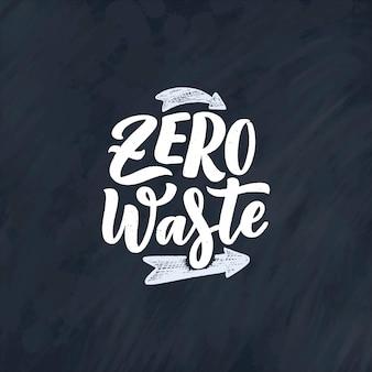 Scrivere slogan sul riciclaggio dei rifiuti.