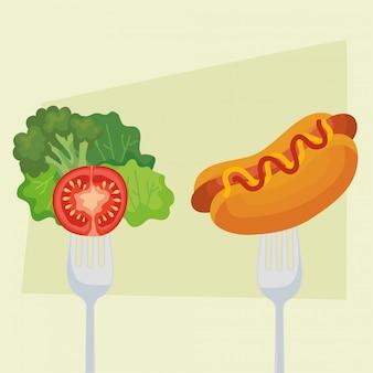 Pomodoro e hot dog della lattuga sulla forcella