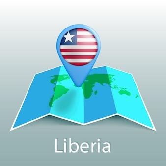 Mappa del mondo di bandiera liberia nel pin con il nome del paese su sfondo grigio