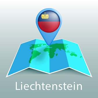Mappa del mondo di bandiera del liechtenstein nel pin con il nome del paese su sfondo grigio