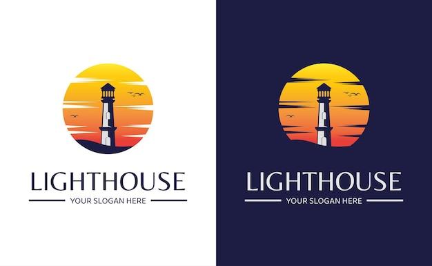 Modello di logo di design del faro con sfondo al tramonto