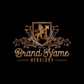 Stock di design di lusso del logo della chiave del leone isolato sul nero