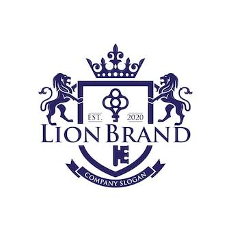 Stock di design di lusso del logo della chiave del leone isolato su bianco