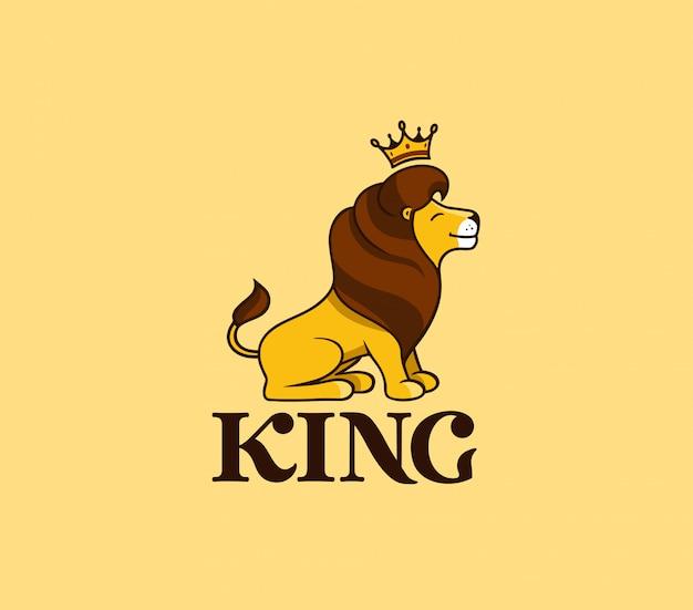Il re leone sorride con testo, corona.
