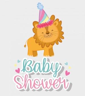 Leone con cappello da festa nella festa della doccia di bambino