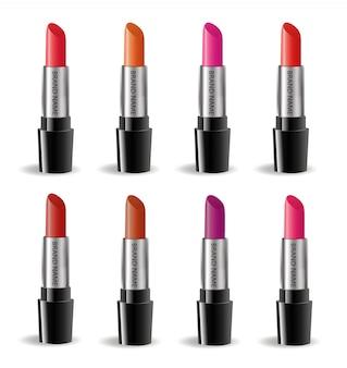 Insieme realistico del pacchetto del rossetto, isolato su fondo bianco. raccolta 3d di rossetti colorati, modello di cosmetici per modello di marca. .