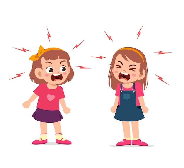 La bambina combatte e discute con la sua amica