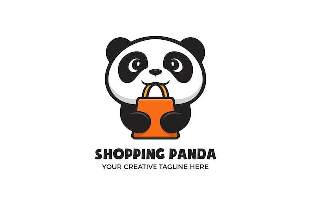Modello di logo personaggio mascotte dei cartoni animati di piccolo panda pan