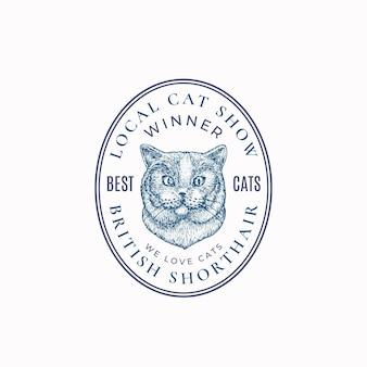 Distintivo di cornice per gatti locali o modello di logo disegnato a mano schizzo di razza britannica a pelo corto con retr...