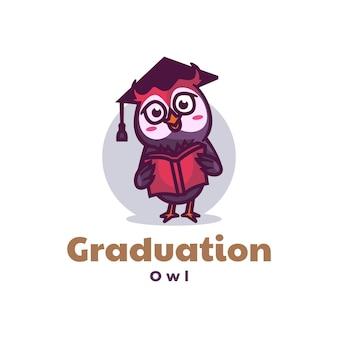 Logo illustrazione mascotte di laurea in stile cartone animato.