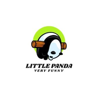 Illustrazione del logo mascotte del piccolo panda stile cartone animato