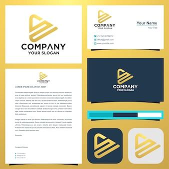 La lettera iniziale del logo sn si combina con il concetto di triangolo nel vettore premium del biglietto da visita Vettore Premium