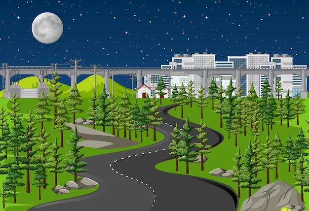 Lunga strada nel paesaggio naturale di scena notturna