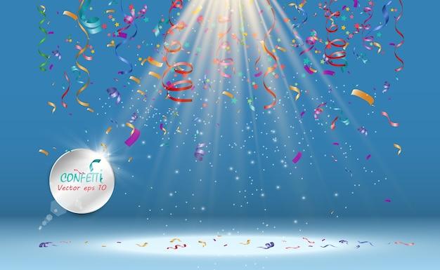Un sacco di piccoli coriandoli colorati e nastri su sfondo trasparente. evento festivo e festa. sfondo multicolore coriandoli luminosi colorati isolati su sfondo trasparente