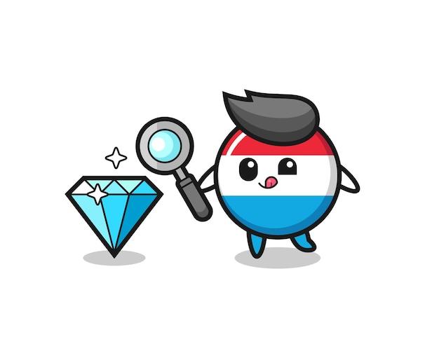 La mascotte del distintivo della bandiera del lussemburgo sta verificando l'autenticità di un diamante, un design in stile carino per maglietta, adesivo, elemento logo