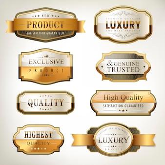 Collezione di piatti d'oro di qualità premium di lusso su sfondo bianco perla
