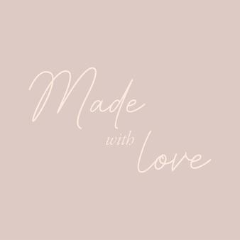 Fatto con amore - calligrafia disegnata a mano e iscrizione scritta.