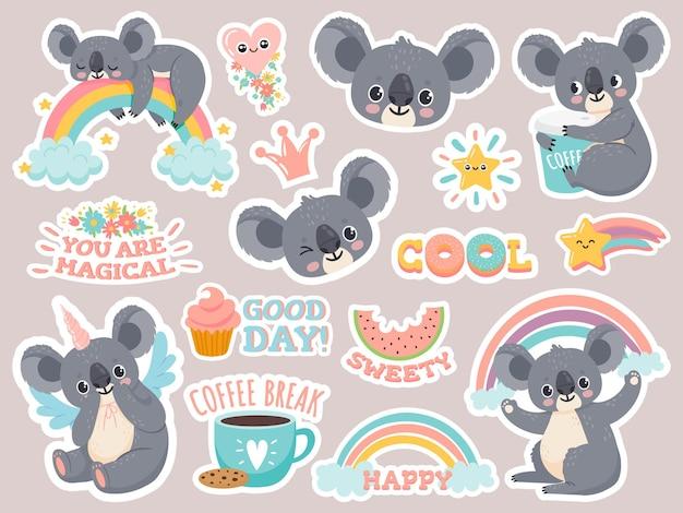 Adesivi magici koala. koala australiani pigri che dormono sull'arcobaleno toppe con simpatici unicorni animaletti. insieme di vettore del fumetto da favola felice. illustrazione faccia buffa di koala, australia dolce bambino
