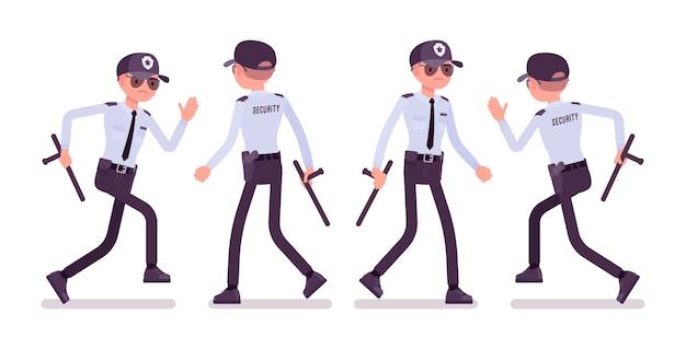 Guardia di sicurezza maschile che cammina e corre