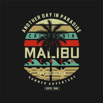 Malibu beach summer adventure illimitato surf tipografia t shirt grafica vettori