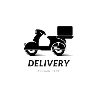 Un uomo sta cavalcando un logo di consegna scooter