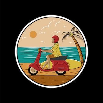Motorino di guida dell'uomo sulla spiaggia