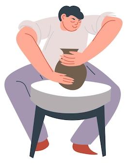 Uomo che scolpisce l'hobby della ceramica in vaso o lo studio delle lezioni