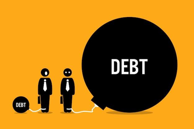 L'uomo sorpreso da altre persone enorme debito. le opere d'arte raffigurano debiti e oneri finanziari.