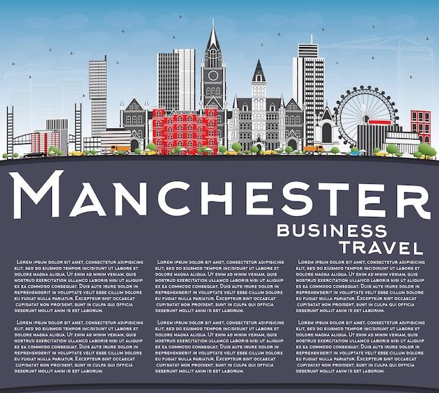 Orizzonte di manchester con edifici grigi, cielo blu e spazio di copia. illustrazione di vettore. viaggi d'affari e concetto di turismo con architettura moderna. immagine per presentazione banner cartellone e sito web.