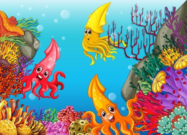 Molti diversi personaggi dei cartoni animati di calamari sullo sfondo subacqueo