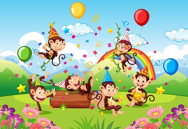 Molte scimmie in tema di festa nella foresta naturale