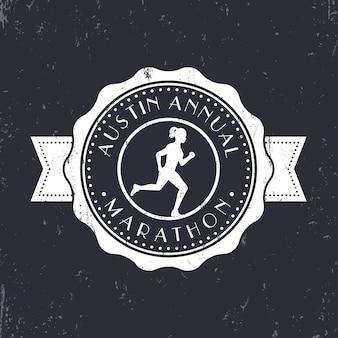 Emblema vintage maratona, distintivo, logo maratona rotondo, segno di maratona con ragazza in esecuzione, illustrazione