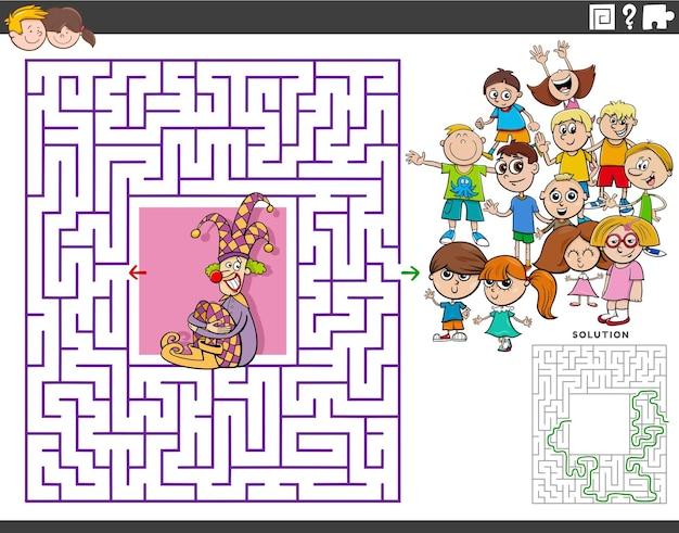 Gioco educativo labirinto con pagliaccio cartone animato e bambini